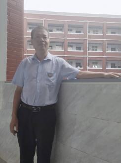优秀教师吴近生先进事迹